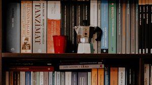 Превью обои книги, полки, чайник, стакан, библиотека