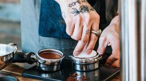 Превью обои кофе, бариста, татуировки
