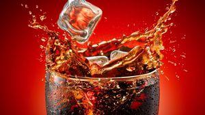 Превью обои кока-кола, лед, стакан, брызги