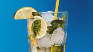 Превью обои коктейль, мохито, лимонад, лайм, лед, напиток