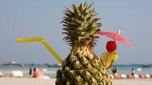 Превью обои коктейль, пляж, ананас, декор, зонтик, трубочка