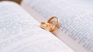 Превью обои кольца, свадьба, книга, пара, любовь