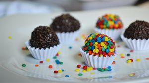 Превью обои конфеты, посыпка, шоколад