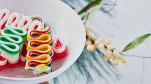 Превью обои конфеты, сладости, рождество, новый год, разноцветный