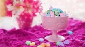 Превью обои конфеты, ваза, яркий