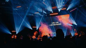 Превью обои концерт, выступление, светомузыка, толпа