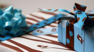 Превью обои коробка, лента, подарок, узоры