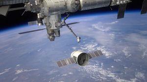 Превью обои космический корабль, dragon, станция мкс, планета, земля, атмосфера