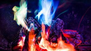 Превью обои костер, пламя, огонь, ночь, кемпинг