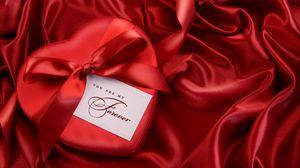 Превью обои красный, атлас, лента, подарок, сердце, бант
