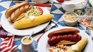 Превью обои кукуруза, сосиски, бутерброды, горчица