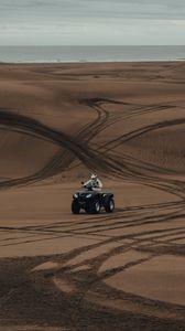 Превью обои квадроцикл, пустыня, песок, следы