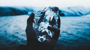 Превью обои лед, рука, льда, размытость