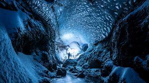 Превью обои ледник, пещера, человек, лед, снег