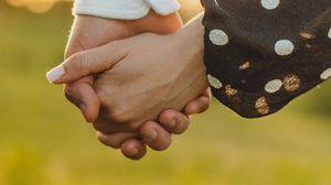 Превью обои любовь, руки, влюбленные, вместе