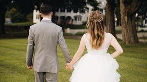 Превью обои любовь, свадьба, влюбленные, трава
