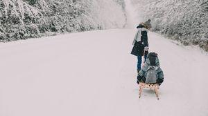 Превью обои люди, санки, снег, зима, развлечения