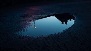Превью обои лужа, отражение, темный, фонарь