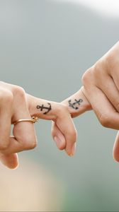 Превью обои любовь, руки, романтика, татуировки, пара, якорь