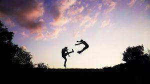 Превью обои люди, силуэт, прыжок