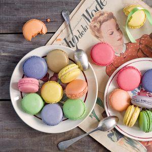 Превью обои macarons, десерт, печенье, разноцветный