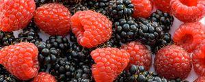 Превью обои малина, ежевика, сочные, спелые, ягоды