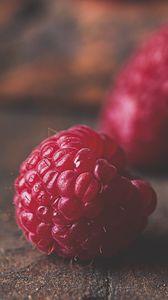 Превью обои малина, ягода, фрукт, макро, поверхность