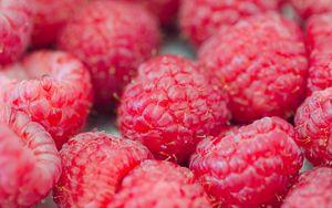Превью обои малина, ягоды, красный, спелый, макро