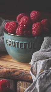 Превью обои малина, ягоды, миска, спелый