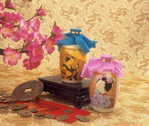 Превью обои масло, бутылки, монеты, цветы, ваза