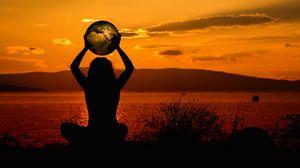 Превью обои медитация, силуэт, земля, гармония, уединение