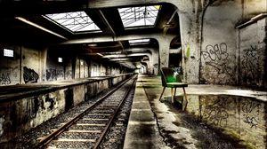 Превью обои метро, креатив, настроение, стул, зеленый, железная дорога