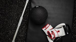 Превью обои мяч, штанга, спорт, спортзал