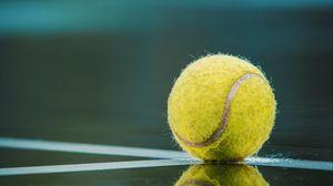 Превью обои мяч, теннис, корт, отражение, линии, разметка