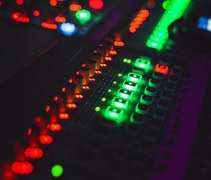Превью обои микшерный пульт, подсветка, диджей, электронное устройство, блики
