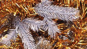 Превью обои мишура, золото, серебро, украшения, атрибут, праздник