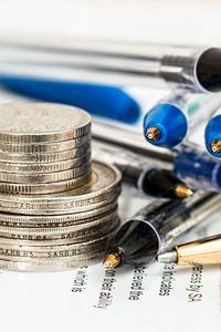 Превью обои монеты, ручки, бумага
