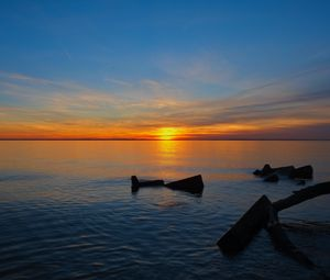 Превью обои море, вода, горизонт, закат, темный
