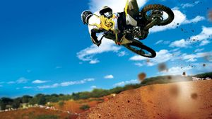 Превью обои мотоцикл, экстрим, гонщик, трюк, спина