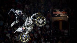 Превью обои мотоцикл, трюк, прыжок