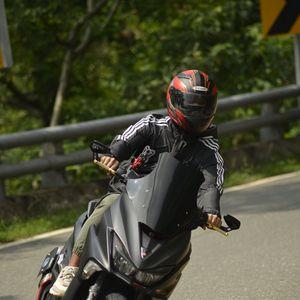 Превью обои мотоцикл, байк, черный, мотоциклист, мото