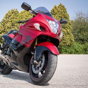 Превью обои мотоцикл, байк, красный, вид спереди