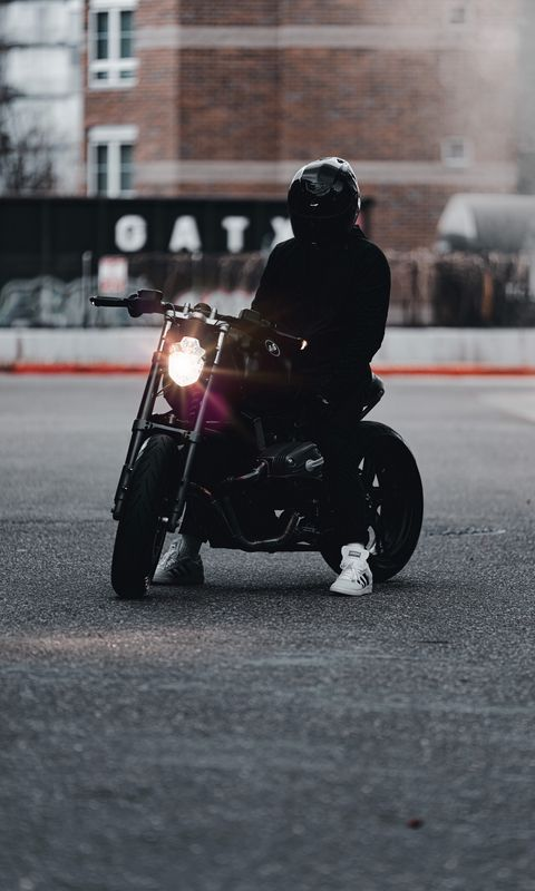 480x800 Обои мотоцикл, байк, мотоциклист, черный, свет, дорога