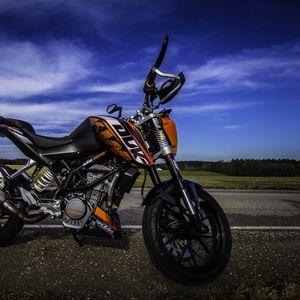 Превью обои мотоцикл, дорога, вид сбоку, асфальт