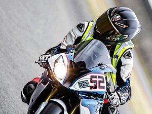 Превью обои мотоцикл, мотоциклист, шлем, трасса, мото