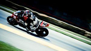 Превью обои мотоциклист, мотоспорт, движение, экипировка