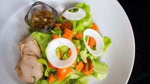 Превью обои мясо, овощи, курица, лук