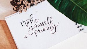 Превью обои надпись, совет, леттеринг, шишки, растение