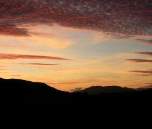 Превью обои небо, облака, закат, холмы, темный
