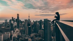 Превью обои небоскребы, человек, высота, крыша